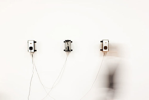unterwasser magnetic installation by artist andre wakko