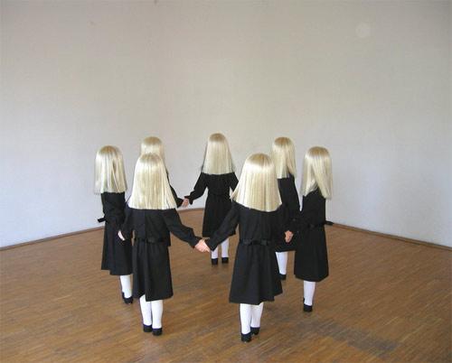sculptures by artist simon schubert