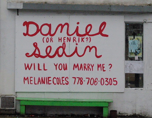 Artist Melanie Coles marriage proposal to Sedin Twins and voicemail