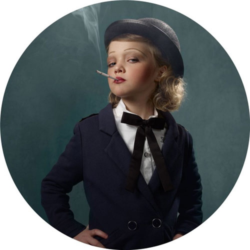 Smoking Kids portraits by photographer Frieke Janssens