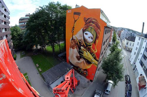 Murals by artist INTI