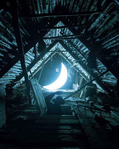 Private Moon by Leonid Tishkov and Boris Bendikov