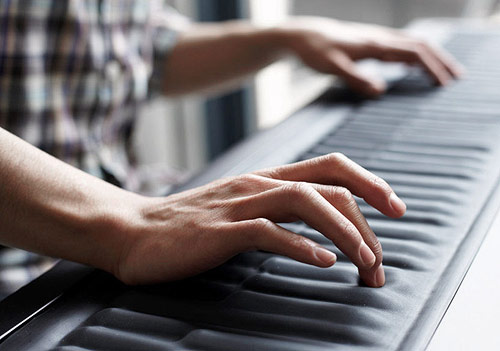 ROLI sensory, elastic and adaptive seaboard piano