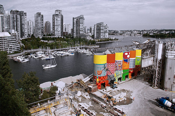 os-gemeos-vancouver01