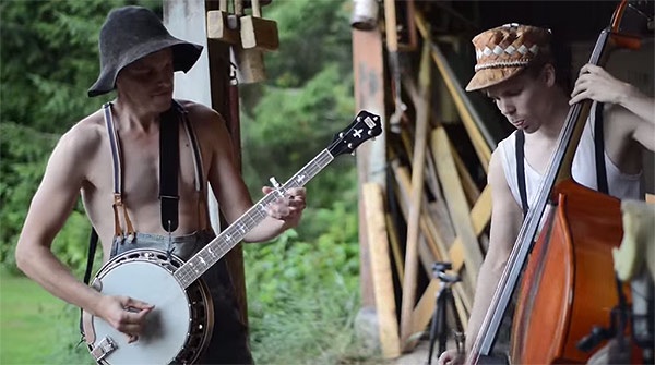 Finnish Bluegrass Band Steve 'n' Seagulls Cover ACDC's