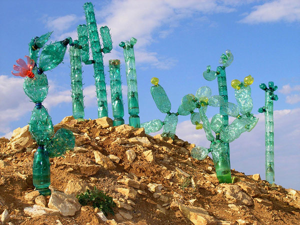 recycled-plasticbottleart-06