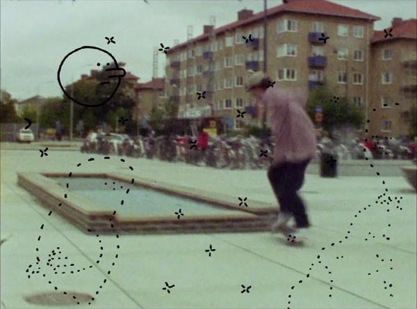 lightbox-grey-skate2