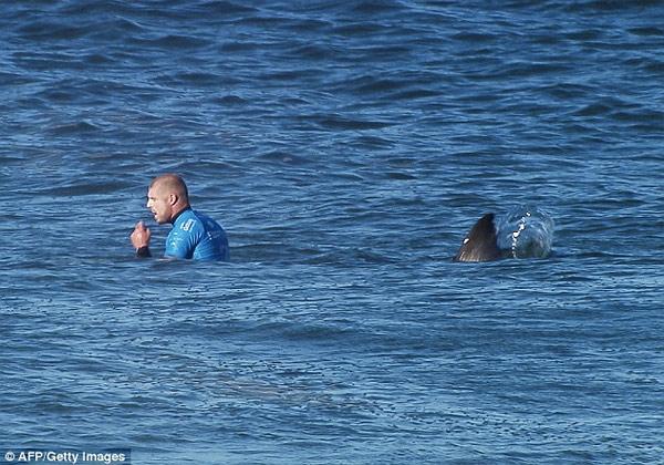 mickfanning-sharkattack2