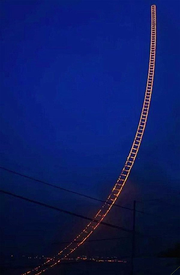 firework-sky-ladder-04
