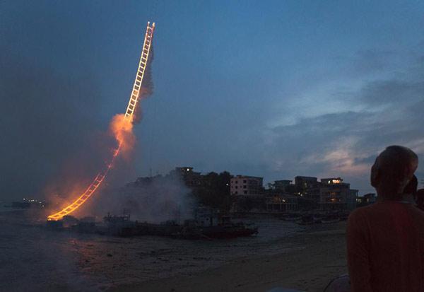 firework-sky-ladder-09