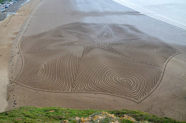 Epic Geometric Patterns Made in Sand and Snow by Artist Simon Beck