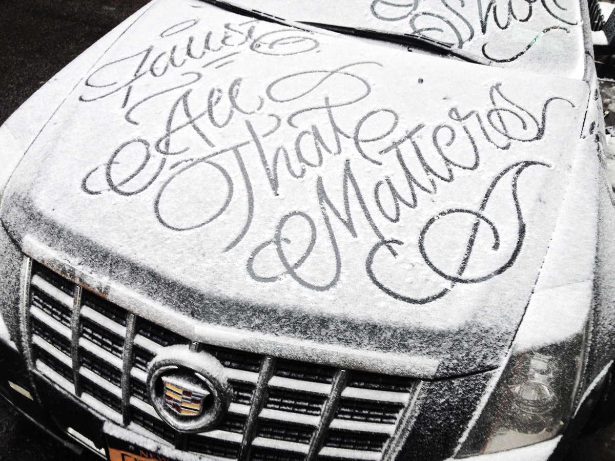 flawless calligraphy on snow covered cars by new york. Black Bedroom Furniture Sets. Home Design Ideas