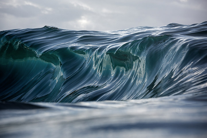 Waves That Look Like Brushstrokes by Photographer Warren Keelan – BOOOOOOOM! – CREATE * INSPIRE * COMMUNITY * ART * DESIGN * MUSIC * FILM * PHOTO * PROJECTS