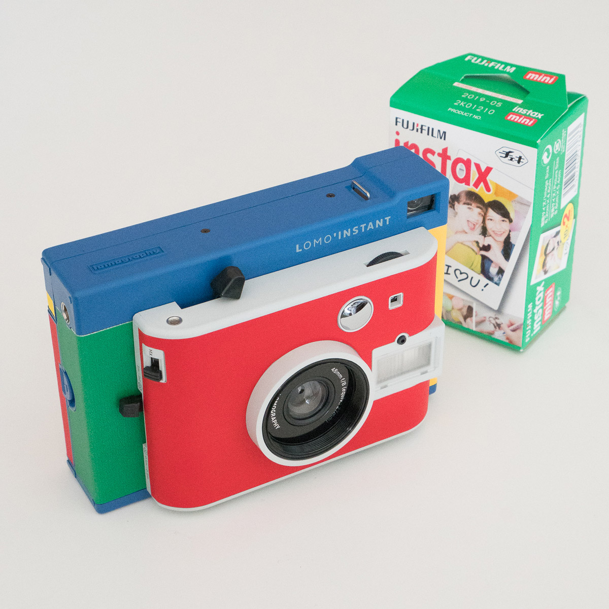 Lomo'Instant Camera and film